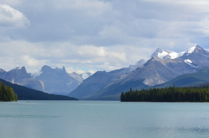 Stunning glaciated peaks surrounding Maligne Lake